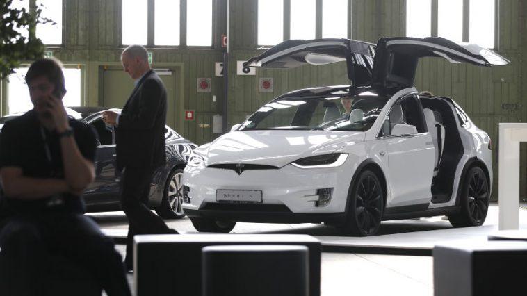 Tesla shareholder meeting and pickup, semi truck news